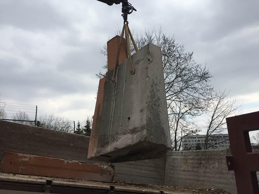 Utovar izrezanog bloka